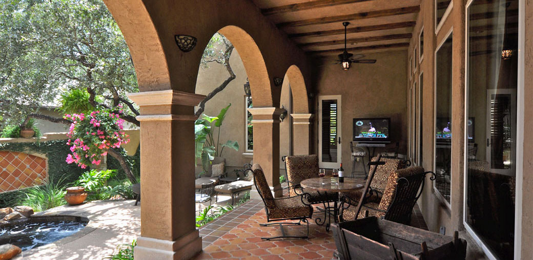 004-home-spanish-colonial-patio